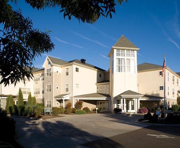 Avamere at Sherwood senior living grand entrance in Sherwood, Oregon