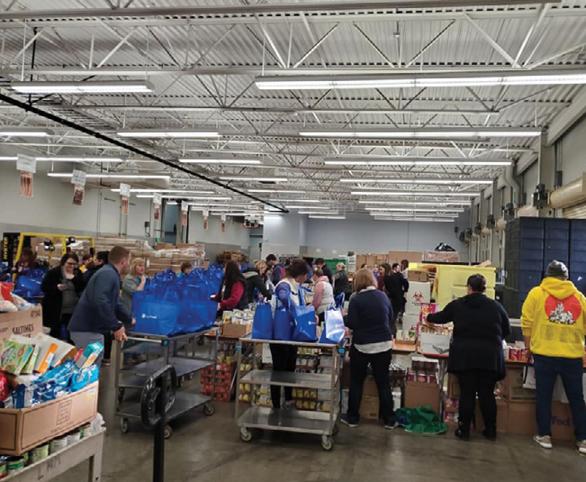 Thanksgiving Basket donation event in Eugene, Oregon for Avamere